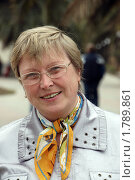Купить «Портрет взрослой женщины в очках (осень)», фото № 1789861, снято 3 апреля 2010 г. (c) Анна Мартынова / Фотобанк Лори