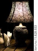 Купить «Лампа на столе в ресторане», фото № 1828933, снято 10 июля 2010 г. (c) Влад Нордвинг / Фотобанк Лори