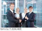 Купить «Успешные бизнесмены в офисе», фото № 1834469, снято 17 июня 2010 г. (c) Raev Denis / Фотобанк Лори