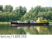 Теплоход на реке (2010 год). Редакционное фото, фотограф Николай Бирюков / Фотобанк Лори