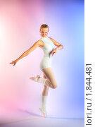 Купить «Репетиция балерины», фото № 1844481, снято 19 мая 2008 г. (c) Михаил Лукьянов / Фотобанк Лори