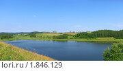 Купить «Пейзаж с озером в яркий солнечный день», фото № 1846129, снято 10 июля 2010 г. (c) Валентина Троль / Фотобанк Лори
