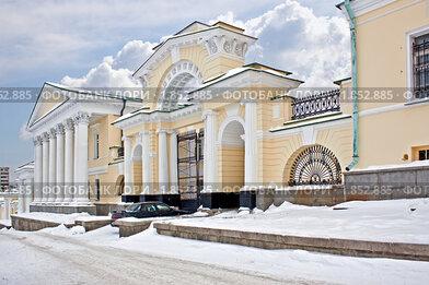 Купить «Старинная усадьба в городе Екатеринбурге», фото № 1852885, снято 3 февраля 2009 г. (c) Parmenov Pavel / Фотобанк Лори