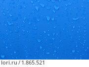Капли на синем. Стоковое фото, фотограф Гузынин Тимофей / Фотобанк Лори