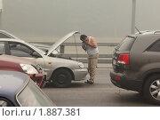 Автомобиль заглох (2010 год). Редакционное фото, фотограф Константин Сутягин / Фотобанк Лори