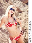 Купить «Блондинка в бикини на песчаном карьере», фото № 1892385, снято 23 марта 2018 г. (c) Юлия Колтырина / Фотобанк Лори