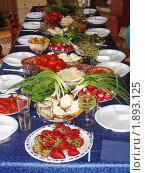 Праздничный стол. Стоковое фото, фотограф Надежда Науменко / Фотобанк Лори