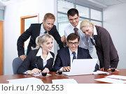 Купить «Бизнесмены в офисе», фото № 1902553, снято 17 июня 2010 г. (c) Raev Denis / Фотобанк Лори