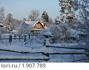 Заснеженный домик в деревне. Стоковое фото, фотограф Мария Васильева / Фотобанк Лори