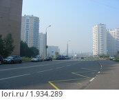 Купить «Москва. Городской пейзаж. Вид на Камчатскую улицу. Смог», эксклюзивное фото № 1934289, снято 15 августа 2010 г. (c) lana1501 / Фотобанк Лори