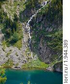 Купить «Алтай. Озеро у подножия горы Красной», фото № 1944389, снято 18 августа 2010 г. (c) Andrey M / Фотобанк Лори