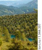 Купить «Алтай. Озеро у подножия горы Красной», фото № 1944397, снято 18 августа 2010 г. (c) Andrey M / Фотобанк Лори