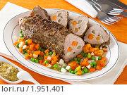 Купить «Фаршированное мясо, запеченное в горчице и специях», эксклюзивное фото № 1951401, снято 12 июля 2010 г. (c) Лидия Рыженко / Фотобанк Лори