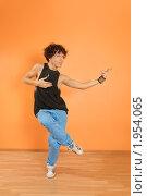 Купить «Исполнитель брейк-данса», фото № 1954065, снято 24 августа 2010 г. (c) Никита Буйда / Фотобанк Лори