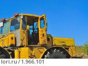 Кабина трактора (2010 год). Редакционное фото, фотограф Dezel / Фотобанк Лори