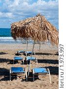 Купить «Зонтики и лежаки на пляже. остров Крит. Греция», фото № 1973997, снято 12 сентября 2010 г. (c) E. O. / Фотобанк Лори