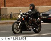 Мотоциклист (2010 год). Редакционное фото, фотограф Владимир Косточко / Фотобанк Лори