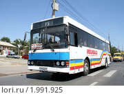 Купить «Автобус», фото № 1991925, снято 16 июля 2009 г. (c) Art Konovalov / Фотобанк Лори