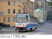 Москва. Трамвай идет по улице Нижняя Красносельская, эксклюзивное фото № 1992481, снято 15 августа 2010 г. (c) lana1501 / Фотобанк Лори