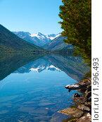 Купить «Алтай. Озеро Нижнее Мультинское», фото № 1996493, снято 21 августа 2010 г. (c) Andrey M / Фотобанк Лори