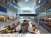Купить «Современный торговый центр в аэропорту Дубая», фото № 2027877, снято 19 апреля 2010 г. (c) Losevsky Pavel / Фотобанк Лори