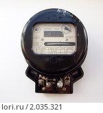 Купить «Старый электросчетчик», фото № 2035321, снято 9 октября 2010 г. (c) Дудакова / Фотобанк Лори