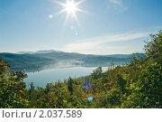 Купить «Озеро Абрау», фото № 2037589, снято 19 сентября 2006 г. (c) Кузнецов Андрей / Фотобанк Лори