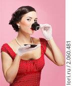 Купить «Девушка в стиле ретро наслаждается чаем», фото № 2060481, снято 9 марта 2010 г. (c) Serg Zastavkin / Фотобанк Лори