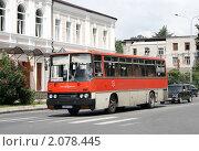 Купить «Сухумский автобус», фото № 2078445, снято 23 июля 2009 г. (c) Art Konovalov / Фотобанк Лори