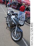 Купить «Спортивный мотоцикл BMW», фото № 2129493, снято 6 июня 2010 г. (c) Юрий Андреев / Фотобанк Лори
