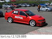 Купить «Красный спортивный автомобиль», фото № 2129889, снято 6 июня 2010 г. (c) Юрий Андреев / Фотобанк Лори