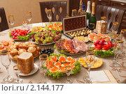 Купить «Сервированный стол», фото № 2144177, снято 17 апреля 2010 г. (c) Федор Королевский / Фотобанк Лори