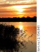 Закат на реке. Стоковое фото, фотограф Виктор Пашин / Фотобанк Лори