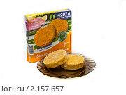 Купить «Рыбные котлеты и упаковка», фото № 2157657, снято 23 ноября 2010 г. (c) Куликова Вероника / Фотобанк Лори