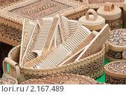 Купить «Деревянные расчески в шкатулке из бересты», эксклюзивное фото № 2167489, снято 27 июня 2010 г. (c) Шичкина Антонина / Фотобанк Лори