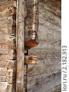 Лейкербад (Leukerbad) Швейцария. Угол древнего деревянного дома (2010 год). Стоковое фото, фотограф Natalia Nemtseva / Фотобанк Лори