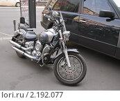 Купить «Мотоцикл Ямаха на тротуаре. (Yamaha)», эксклюзивное фото № 2192077, снято 18 августа 2010 г. (c) Алёшина Оксана / Фотобанк Лори