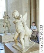 Купить «Боэф. Мальчик, борющийся с гусем. Римская копия с эллинистического оригинала II в. до н. э. Лувр.», фото № 2196333, снято 30 июля 2004 г. (c) Анастасия Коляскина / Фотобанк Лори
