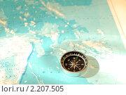 Компас и карта. Стоковое фото, фотограф Александр Климов / Фотобанк Лори