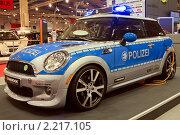 Полицейский электромобиль (2010 год). Редакционное фото, фотограф Василий Шульга / Фотобанк Лори