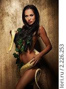 Портрет красивой девушки с питоном. Стоковое фото, фотограф Andrejs Pidjass / Фотобанк Лори