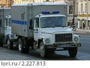 Купить «Автомобиль для перевозки задержанных», эксклюзивное фото № 2227813, снято 18 декабря 2010 г. (c) Александр Тарасенков / Фотобанк Лори