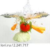 Купить «Овощи в воде», фото № 2241717, снято 12 декабря 2010 г. (c) Суханова Елена (Елена Счастливая) / Фотобанк Лори
