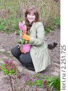 Купить «Женщина с гиацинтами», фото № 2251725, снято 25 апреля 2010 г. (c) Майя Крученкова / Фотобанк Лори