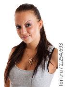 Купить «Портрет молодой девушки в серой майке», фото № 2254693, снято 13 августа 2010 г. (c) Сергей Дубров / Фотобанк Лори