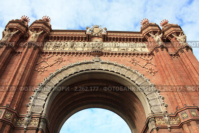 Купить «Триумфальная Арка (Arc de Triomf). Барселона. Испания», фото № 2262177, снято 5 июня 2020 г. (c) valentina vasilieva / Фотобанк Лори