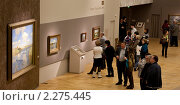 Купить «На выставке Левитана в Третьяковской галерее», эксклюзивное фото № 2275445, снято 4 января 2011 г. (c) Виктор Тараканов / Фотобанк Лори