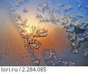Купить «Ледяные узоры и солнечный свет на зимнем окне», фото № 2284085, снято 4 февраля 2005 г. (c) Dina / Фотобанк Лори