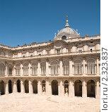 Купить «Внутренний двор королевского дворца в Мадриде», фото № 2323837, снято 24 июня 2009 г. (c) Elena Monakhova / Фотобанк Лори