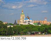 Купить «Новоспасский монастырь», эксклюзивное фото № 2330709, снято 28 мая 2009 г. (c) Алёшина Оксана / Фотобанк Лори